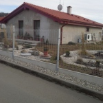 Betonová deska  s domem